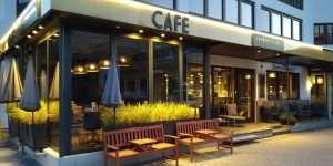 Cafe Laurens & Lena Ansicht Abend