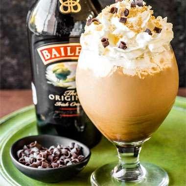 Cafe_Laurens_Lena_MNU_Baileys_au_Lait