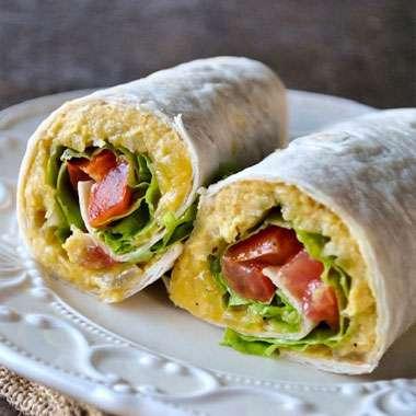 Cafe_Laurens_Lena_MNU_Wrap_Hummus_Tomato